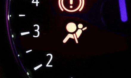 Luz del airbag encendida ¿qué significa?