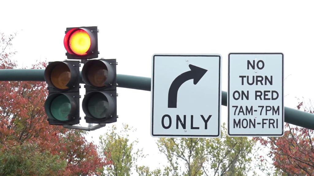 girar a la derecha al conducir en estados unidos